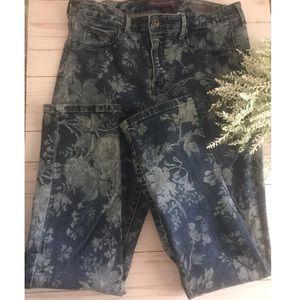 Gloria Vanderbilt Sadie Floral Skinny Blue Jeans